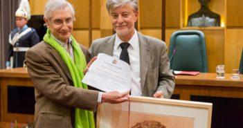 El alcalde de Zaragoza ha entregado la 'Estrella de Europa 2016' a la Federación Aragonesa de Solidaridad