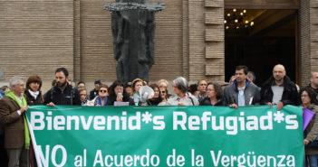 Concentración de la FAS en las puertas del Ayuntamiento de Zaragoza